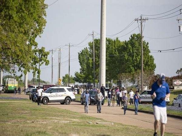 પાર્કમાં બેઠેલા લોકો પર આડેધડ ફાયરિંગ, એકનું મોત, 6 ઘાયલ; પોલીસે આરોપીને ઝડપ્યો